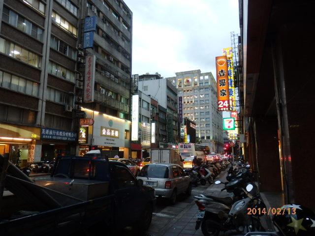「台北市内」