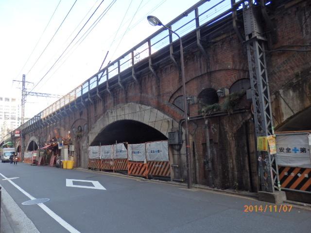 「JR高架橋」